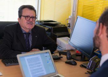 Carlo Avataneo nel suo ufficio