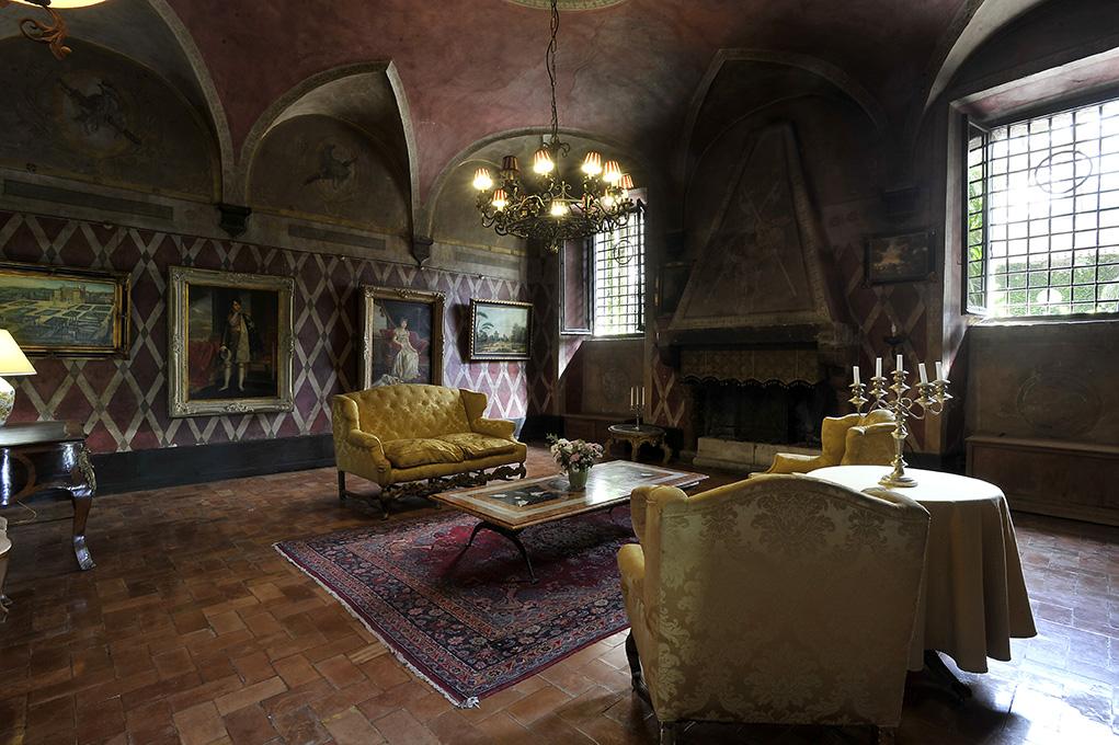 Castello di TorCrescenza, la dimora storica romana attrae italiani e stranieri