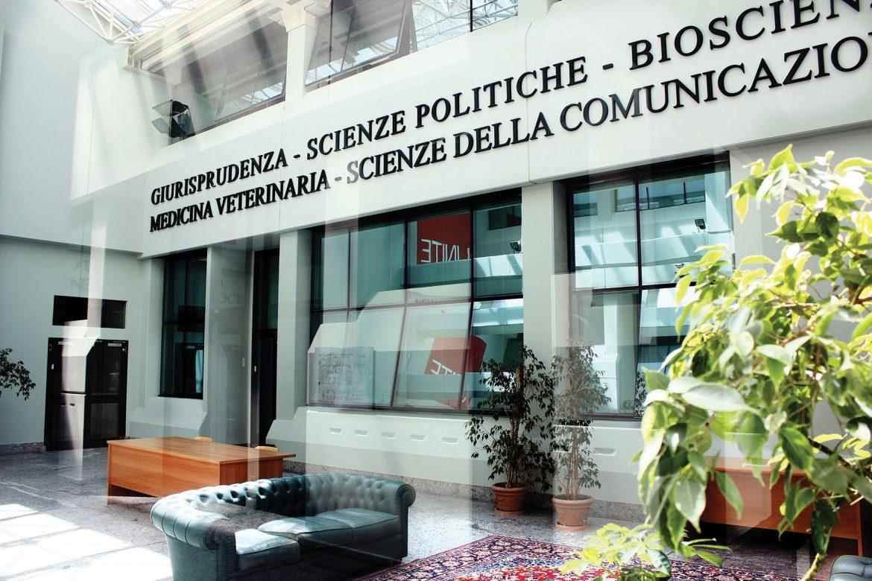 Career day dell'università di Teramo: studenti e laureati incontrano le aziende