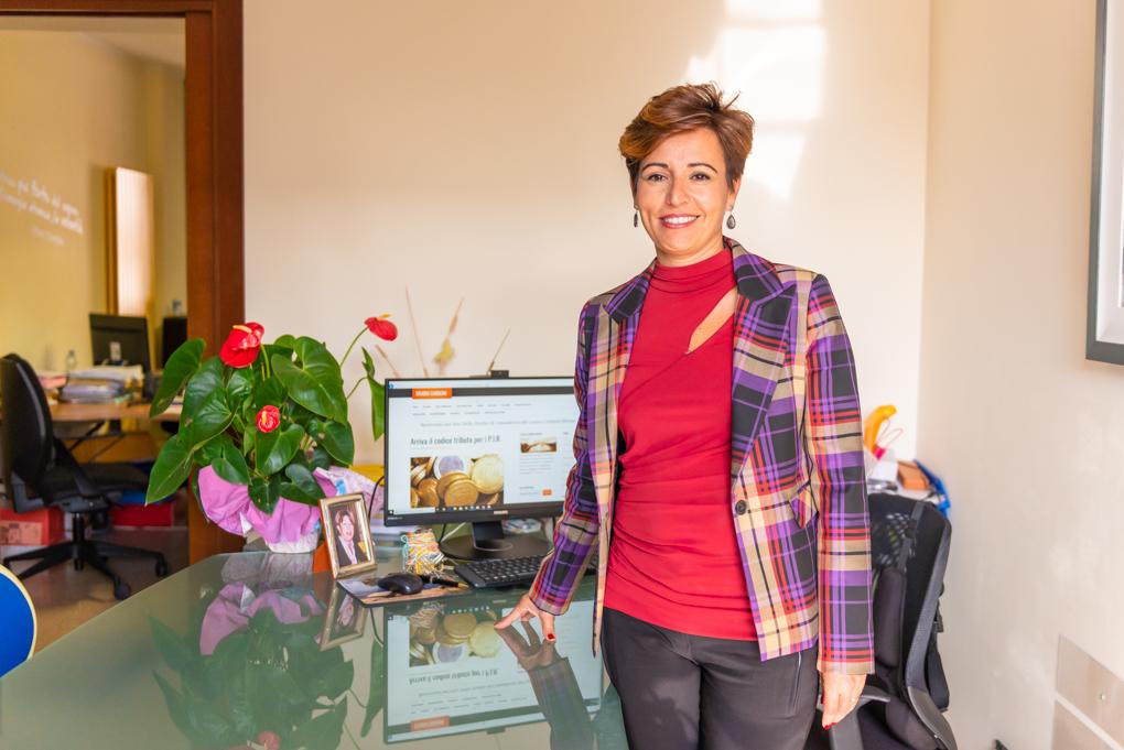 Miriam Carboni, consulente del lavoro di Oristano, assiste imprese e lavoratori nell'orientamento nel mercato del lavoro