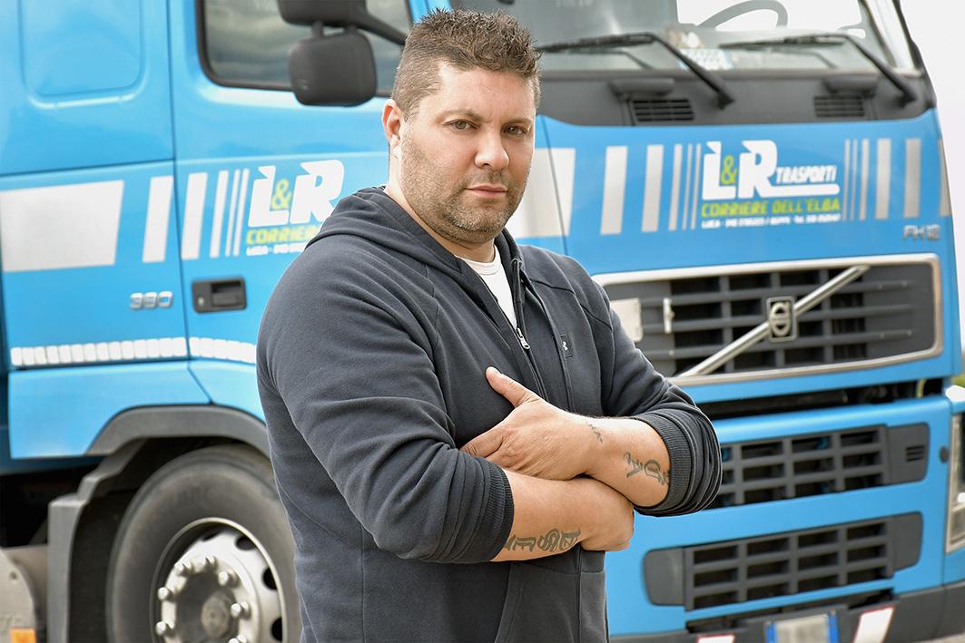 L&R Trasporti: servizio di trasporto, consegna e stoccaggio merci per l'Isola D'Elba