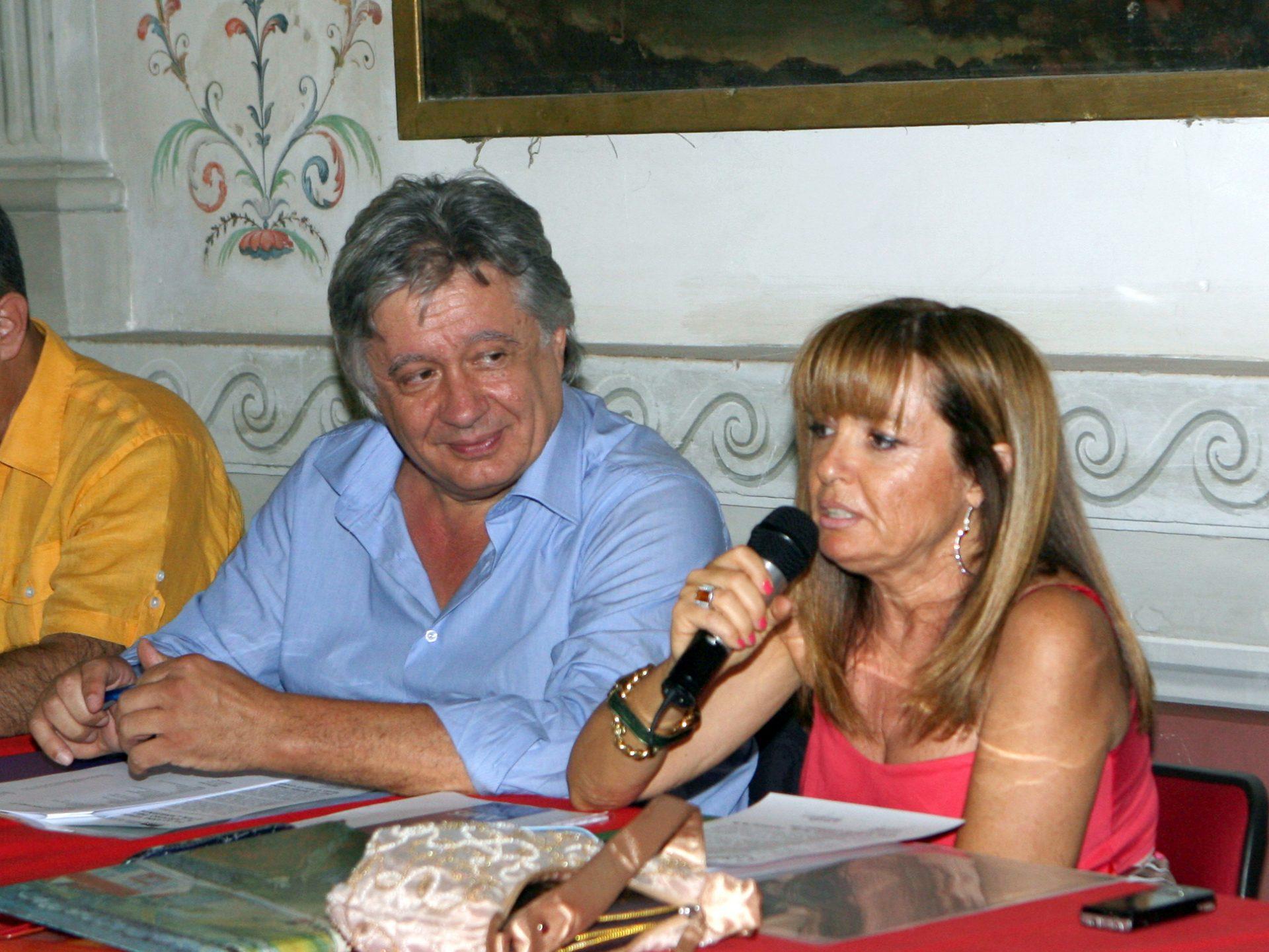 Il Presidente AMIS Enrico Iesari e la Segretaria Marina