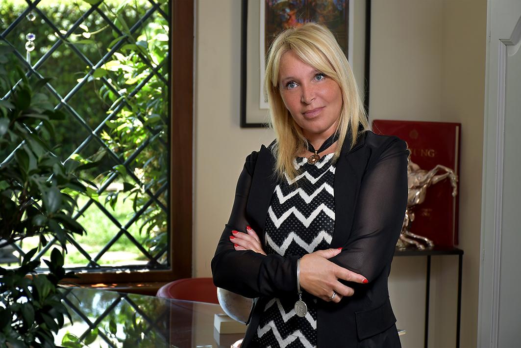 Alessandra Fioretti, psicologa, psicoterapeuta, psicologa dello sport e mental trainer, ribalta i luoghi comuni sulla professione dello psicoterapeuta